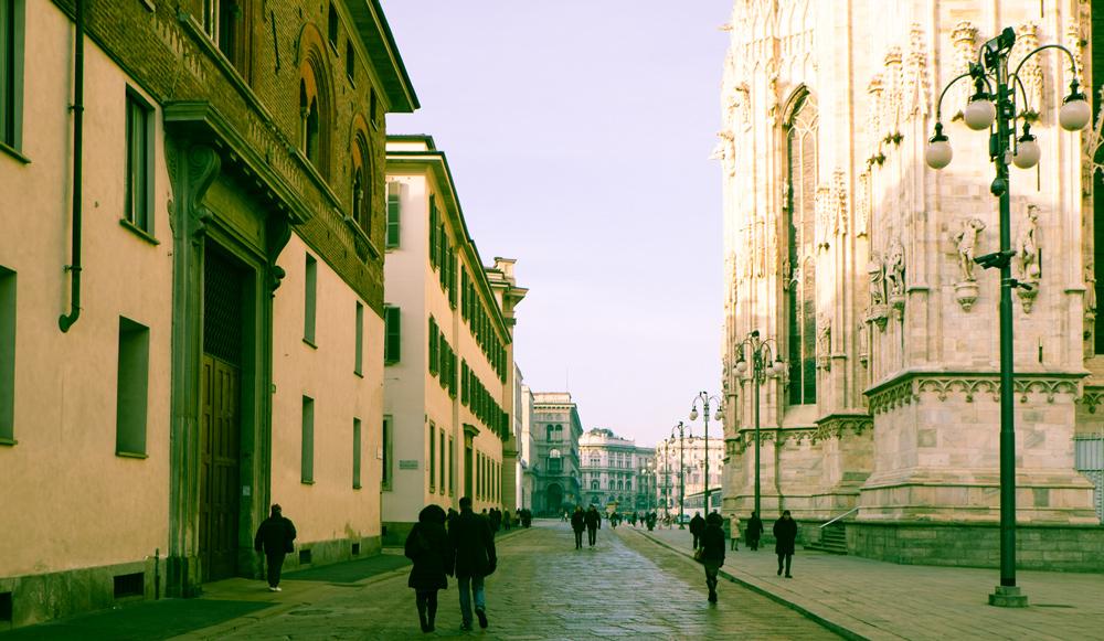 ミラノ大聖堂付近
